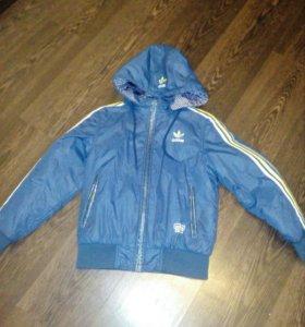 Куртка осенняя 10-11лет фирма adidas, двухстороння