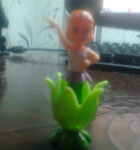игрушка из киндера девочка в цветке