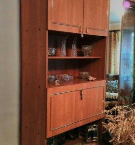 Шкаф, с баром и шкафчиками