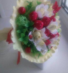 """Букет из конфет """"Земляника"""""""