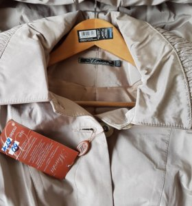 Куртка женская с поясом новая