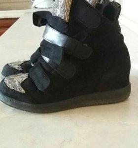 Жееские ботинки