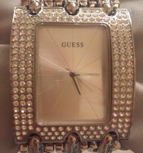Новые часы Guess в упаковке