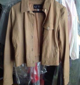 Armani Jeans кожаная новая куртка