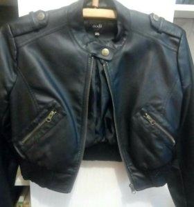 Куртка новая короткая