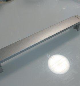 Дверные ручки для шкафов и выдвижных ящиков