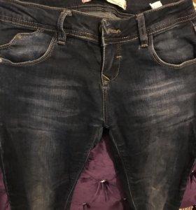 2 джинсы