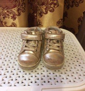 Обувь на девочку на весну