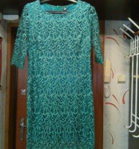 Платье зеленое гипюровое