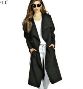 Шерстяной пальто новый