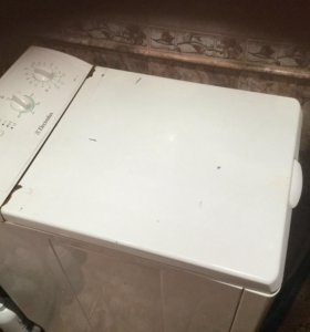 Машинка стиральная Electrolux