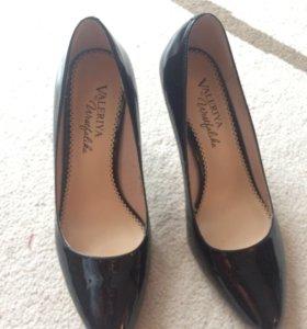 Туфли лаковые черные лодочки