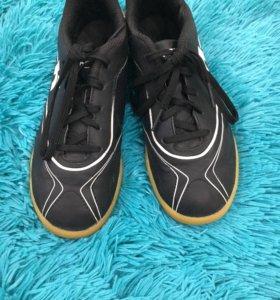 Футзалки, обувь для занятие футболом а зале