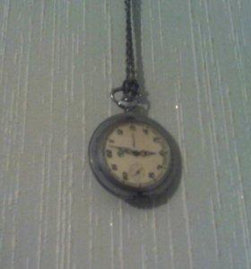 Часы стариные заводные