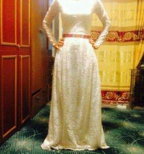 Платье гипюр