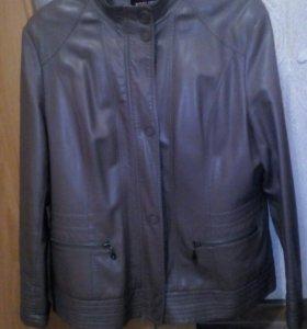 Куртка кожанная.