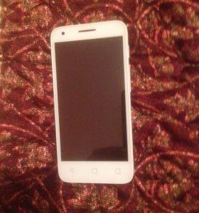 Телефон Alcatel one touch Pixi3.