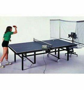 Робот для игры в настольный теннис.