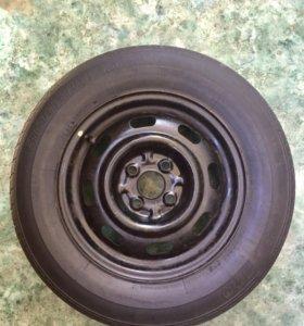 Колесо Bridgestone 185/70 R14 с диском б/у