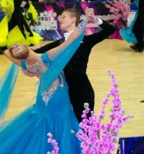 Платье для бальных танцев стандарт продам срочно!