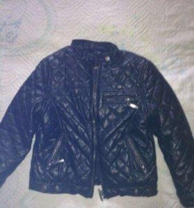 Куртка демисезонная утеплённая на девочку 104-110