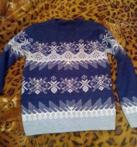 Два новых свитера