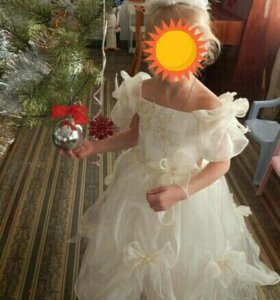 Нарядное платье для девочки 4-6 лет, срочно, торг!