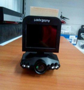 Видеорегистратор AutoExpert DVR-929 б/у