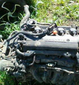 Двигатель по частям на Хонду Цивик 1.8 2011 г.