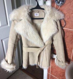 Женская куртка утеплённая