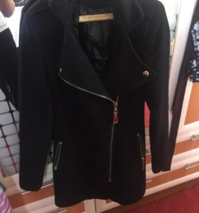 Весеннее пальто, 42 размера, в отличном состоянии!