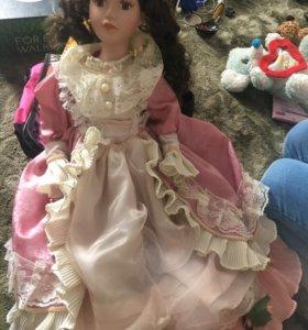 Фарфоровая кукла 54 см