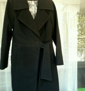 Продаю пальто женское.
