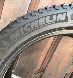 Зимняя Michelin X-Ice 235 45 R18