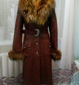 Пальто кожаное весна, осень, зима новое