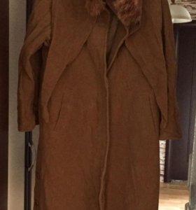 Пальто с капюшоном (натуральный мех лисы)