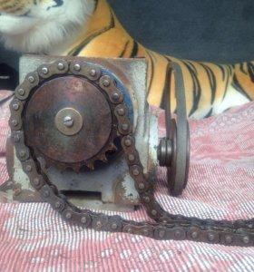 Продам двигатель с редуктором
