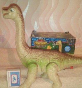 Динозавр новый.