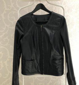 Куртка кожаная женская размер M