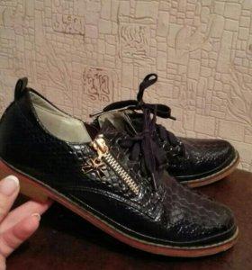 Туфли для девочки р.35