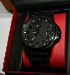 Швейцарские мужские часы Luminox