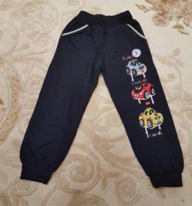Спортивнные брюки на мальчика