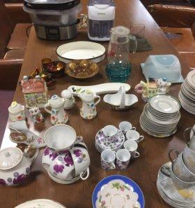 Чайные наборы, тарелки, блюдца итд