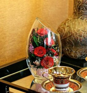 Цветы в стекле-отличный подарок на любой праздник!
