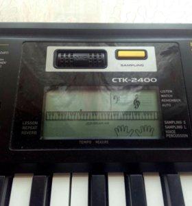"""Синтезатор марки """"Casio"""""""