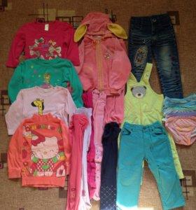 Одежда на девочку пакетом размер 80-98.