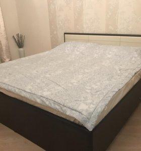 Спальная кровать, комод