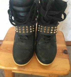 Кросовки на платформе