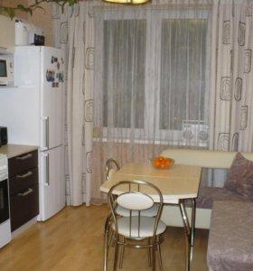 кухонный уголок, стол, 2 стула