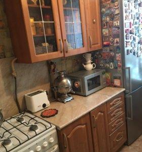 Кухонный гарнитур в прекрасном состоянии